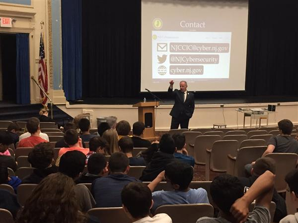 Mike Geraghty presents to students